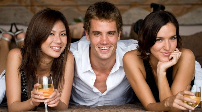 What Makes A Threesome So Amazing? – Steps To Plan It